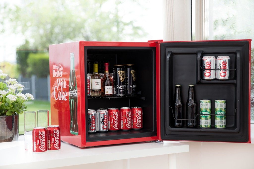 acheter un mini frigo coca cola frigomalin. Black Bedroom Furniture Sets. Home Design Ideas